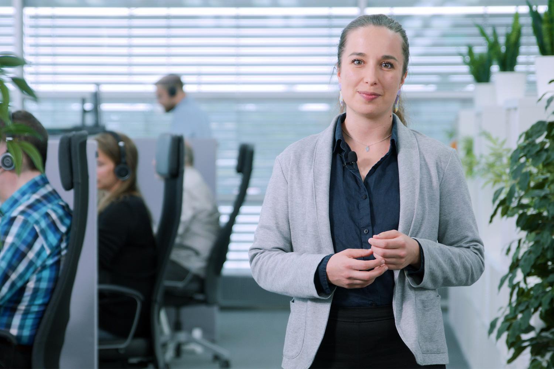 DialOk tarjoaa asiakaspalvelun, vaihdepalvelut ja toimiston tukitoiminnot.